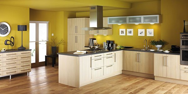 20 great kitchen designs with yellow walls for Kitchen yellow walls